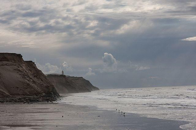 Distant view of the lighthouse. Author: Joerg.gehlmann – CC BY-SA 4.0