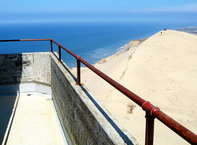 View to the dune and the North Sea. Author: Tomasz Sienicki – CC-BY 2.5