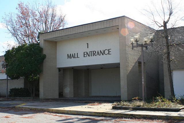 Abandoned mall entrance no.1. Author: Mike Kalasnik – CC-BY 2.0′