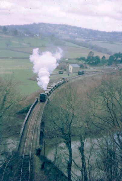A train leaving Tintern Station in 1963. Author:John ThornCC BY-SA 2.0