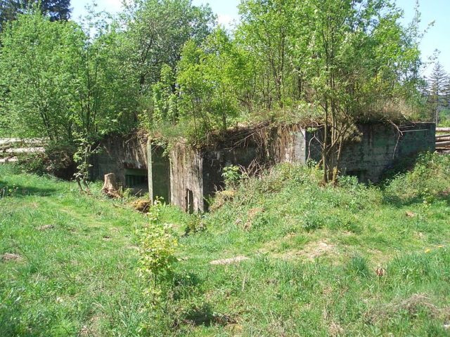 Abandoned and destroyed bunkers. Author:RurseekatzeCC BY-SA 3.0