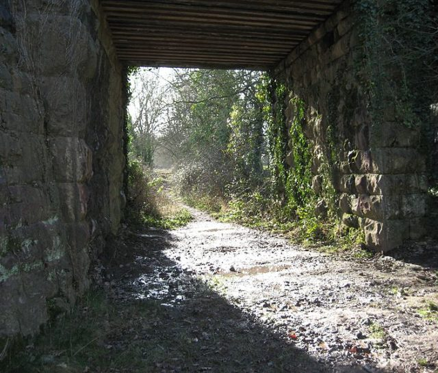 Abandoned part of the railway. Author:Bob&Anne PowellCC BY-SA 3.0