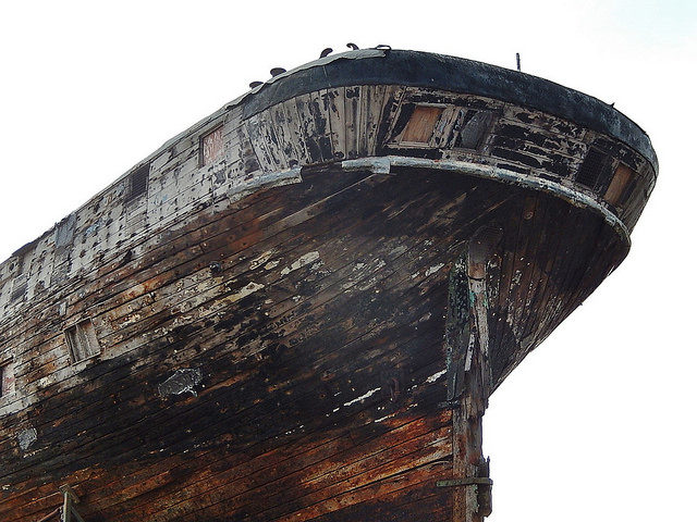 Close-up of the ship's hull. Author:Michael CoghlanCC BY-SA 2.0