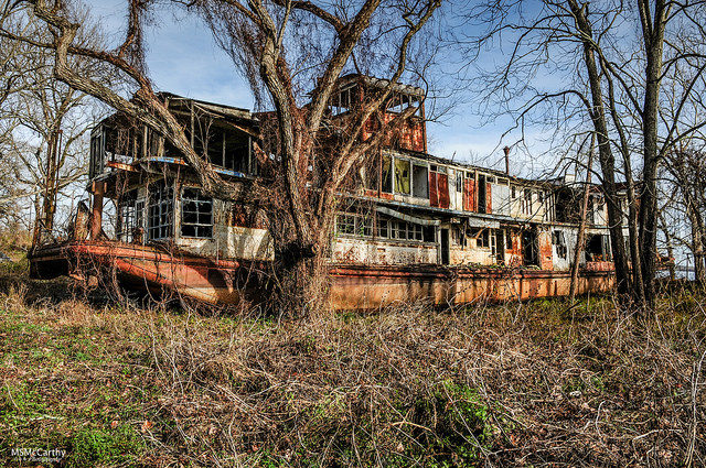 Decaying and abandoned. Author:Michael McCarthyCC BY-ND 2.0