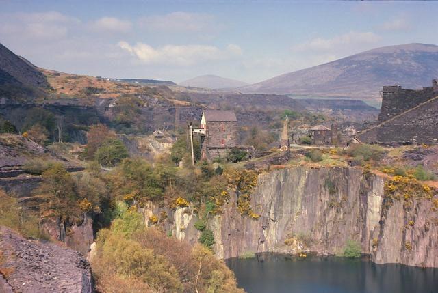 Dorothea Quarry panorama. Author:David StowellCC BY-SA 2.0