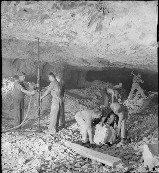 Engineers tunneling in Gibraltar. Author:Dallison G W (Lieut), War Office official photographerPublic Domain