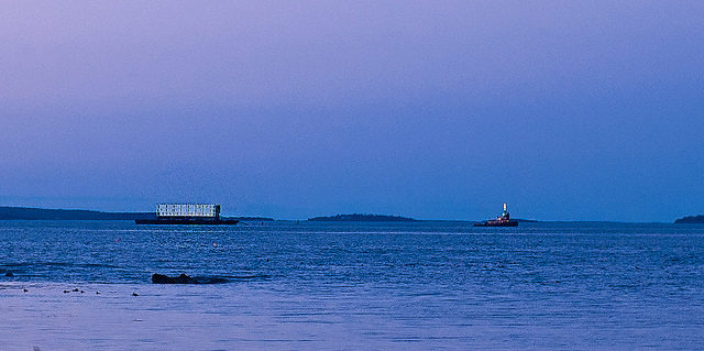 Google Barge Leaving Portland Harbor at High Tide and Sunset – Author: cloud2013 – CC BY 2.0