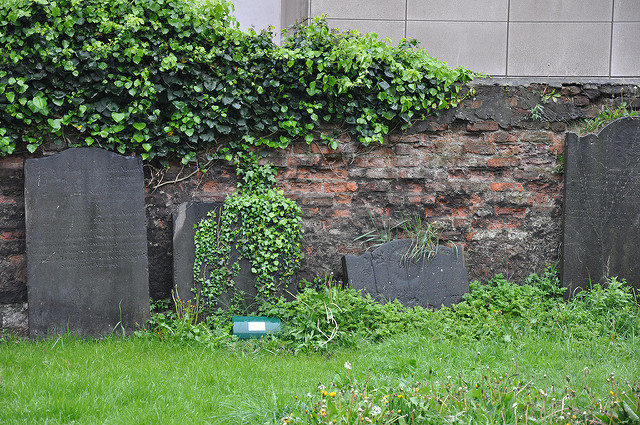 Part of the churchyard. Author:Jennifer BoyerCC BY 2.0