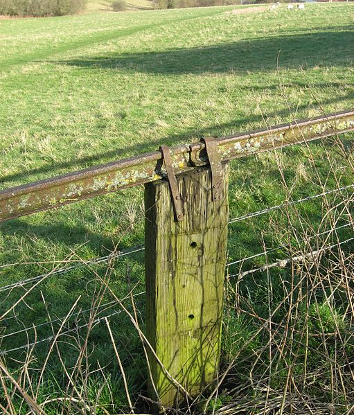 Part of the rail used as a fence. Author:Bob&Anne PowellCC BY-SA 3.0