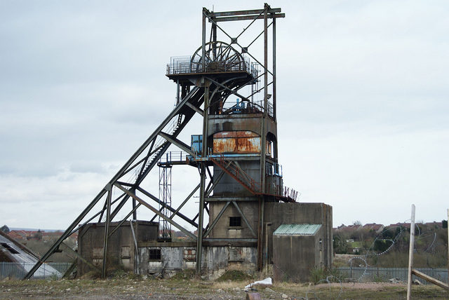 Pithead frame. Author:Chris SampsonCC BY 2.0