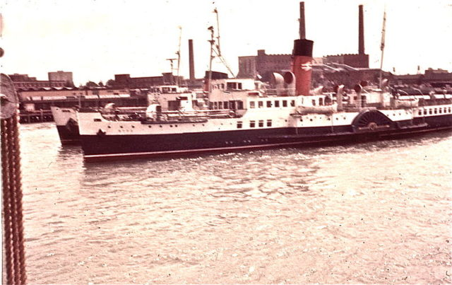 PS Ryde as she looked in 1969. Author:JohnraglaCC BY-SA 3.0