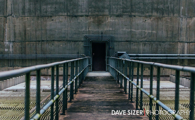 The entrance leading inside the power plant. Author:Dave SizerCC BY 2.0