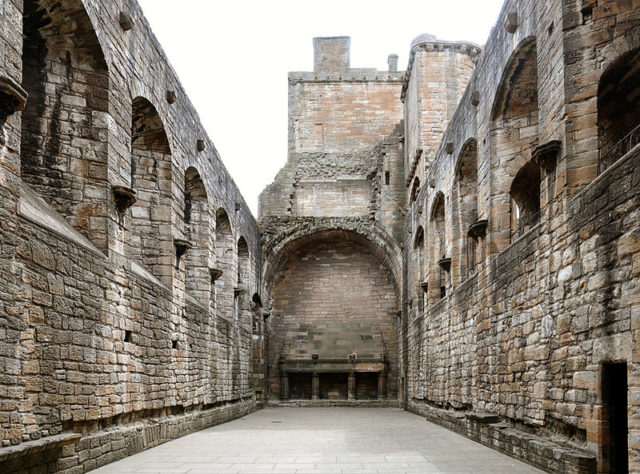 The famous Great Hall. Author: Sir Gawain. CC BY-SA 3.0