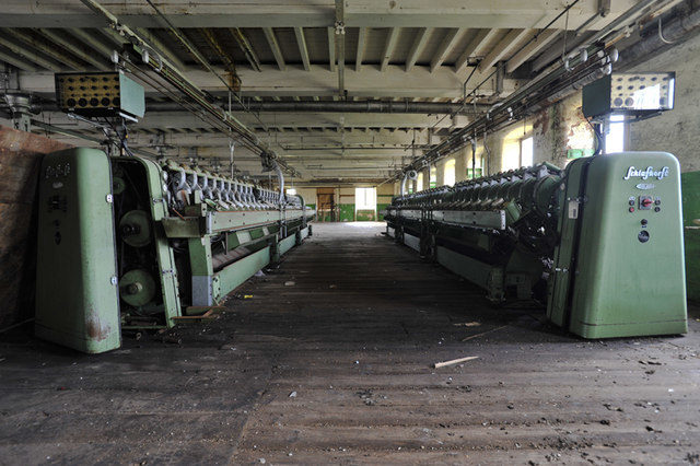 The neglected spinning machine. Author:Noel JenkinsCC BY-SA 2.0