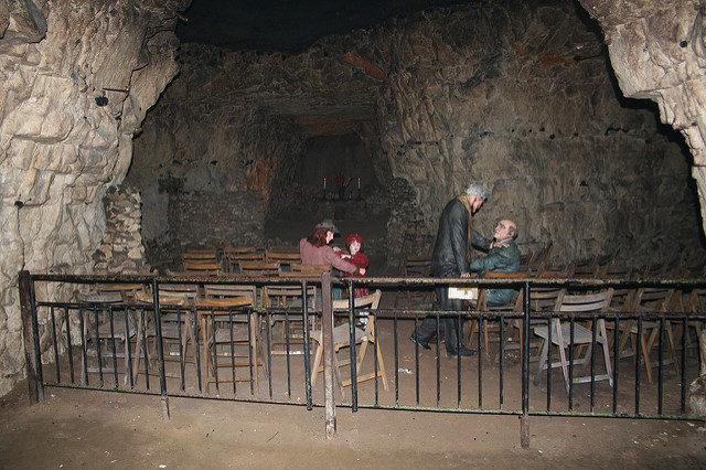 The underground chapel. Author:Jon's picsCC BY 2.0