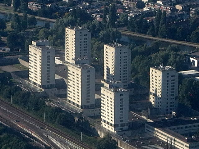 The six towers of the Bijlmerbajes as seen from the air/ Author: Mark Ahsmann – CC BY-SA 4.0