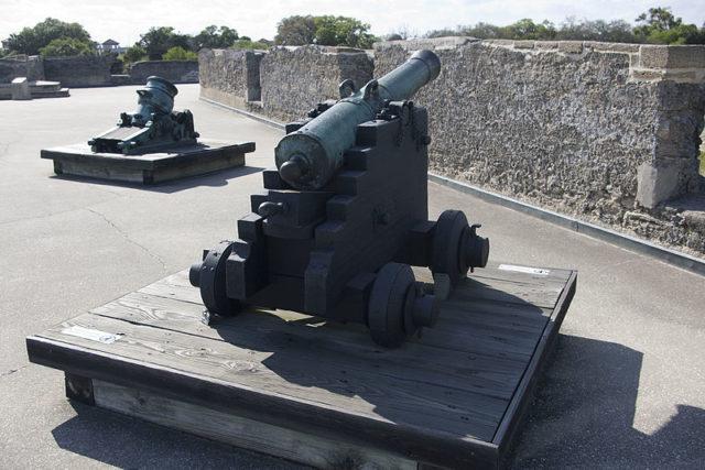 A cannon on Castillo de San Marcos. Author:fatzcatzCC BY-SA 4.0
