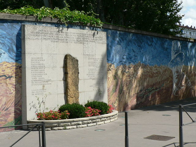 A monument as testimony to the horrors that went inside this prison. Author:Basilio