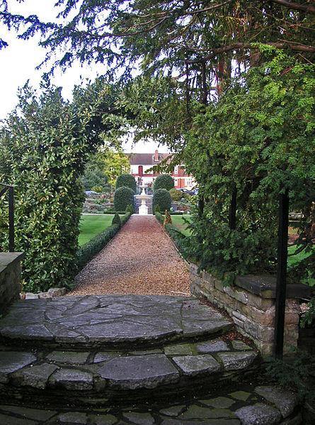 A view of the gardens. Author:AmandajmCC BY-SA 3.0