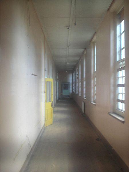 An empty hallway. Author: Vaughan