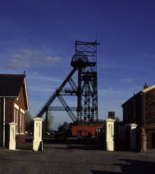 Astley Green Colliery/ Author:Chris Allen – CC BY-SA 2.0
