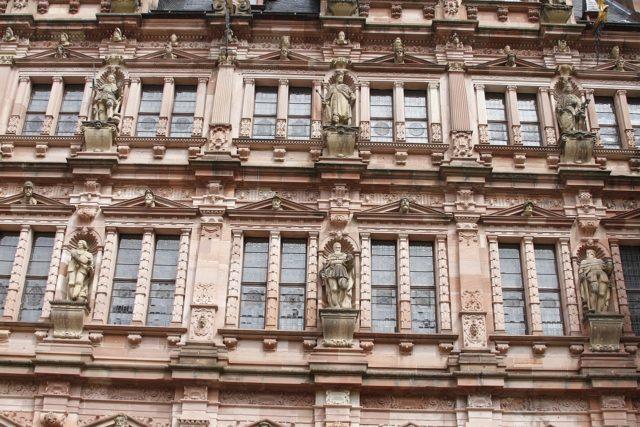 Detail of the castle facade. Author:José Luiz Bernardes RibeiroCC BY-SA 4.0