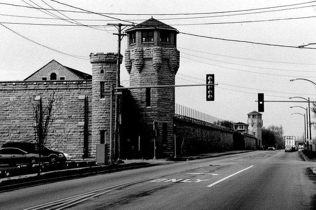 Driving to Joliet prison. Author:Kai SchreiberCC BY-SA 2.0