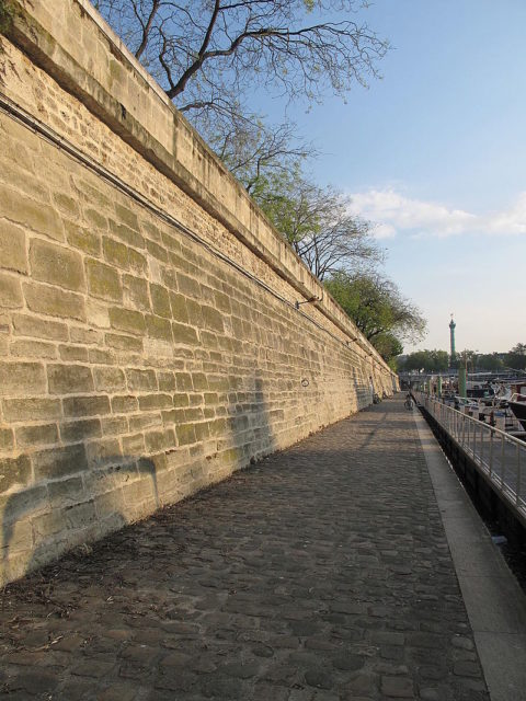 Remains of the wall and ditches of the Bastille. Author:TangopasoPublic Domain