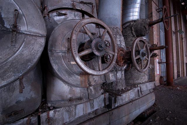 Rusty old valves. Author:Jelle de VriesCC BY-ND 2.0