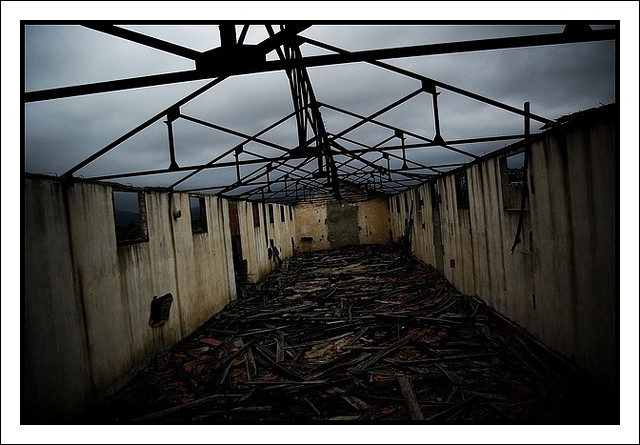 Some of the barracks in the camp. Author:gilles chiroleuCC BY 2.0