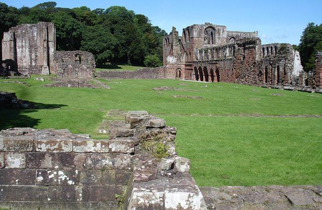The Abbey in 2007. Author:JohnArmaghPublic Domain