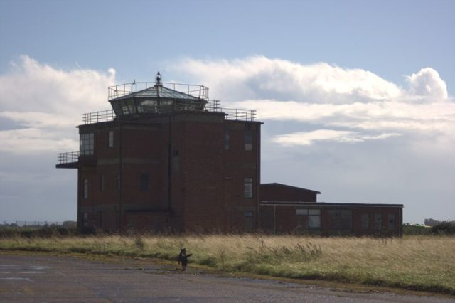 The control tower. Author:Paul HCC BY 2.0