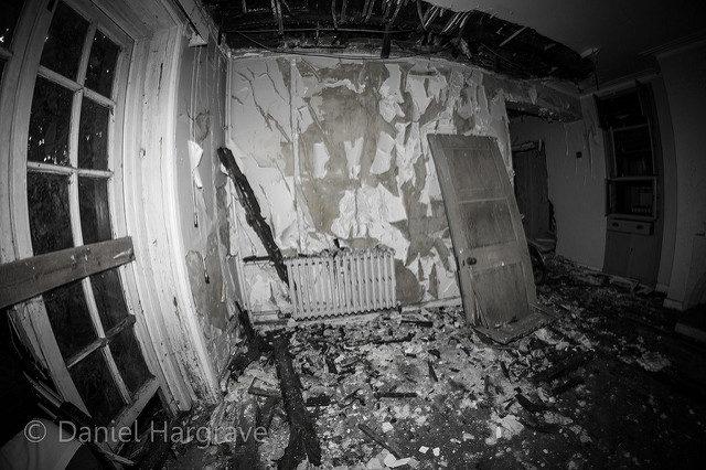 The desperate interior of the hospital. Author:Daniel HargraveCC BY 2.0