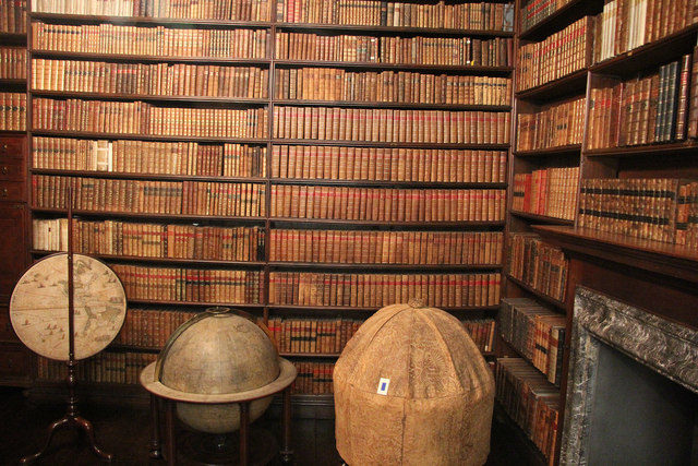 The Library at Ham House. Author:Richard CroftCC BY-SA 2.0