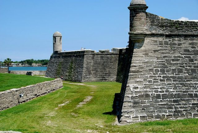 The north wall. Author:Shreeg88CC BY 2.5