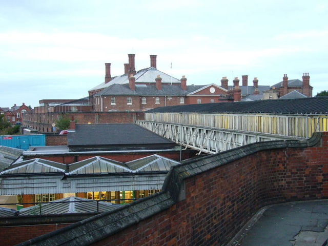 The prison viewed from the railway station bridge. Author:NabokovCC BY 3.0