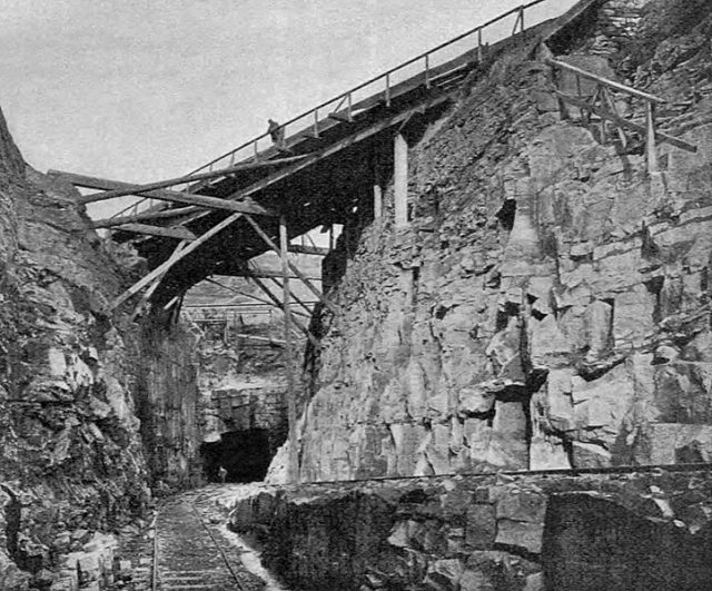 The southern entrance during the 1870s. Author: Four by Three – www.queensburytunnel.org.uk