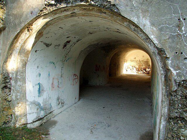 Underground bunkers. Author: Modris Putns – CC BY-SA 3.0