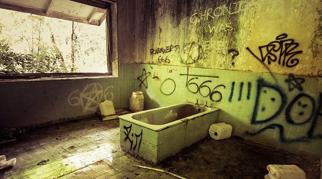 666 written almost in every room. Author: Robert Haandrikman CC BY 2.0
