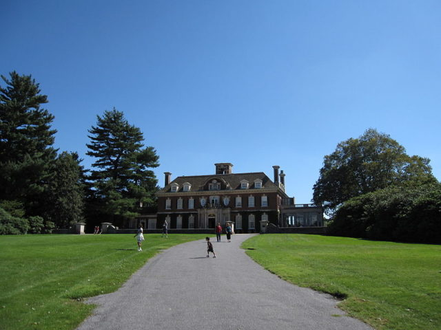 Old Westbury Gardens: the filming location of Hitch and