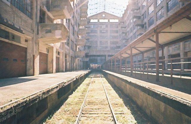 Abandoned railway tracks different angle. Author:JoshsjacksonCC BY-SA 4.0