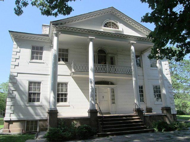 Morris–Jumel Mansion frontal photograph