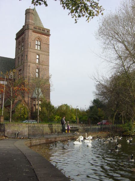 Newsham Park and the hospital in the background/ Author:Sue AdairCC BY-SA 2.0