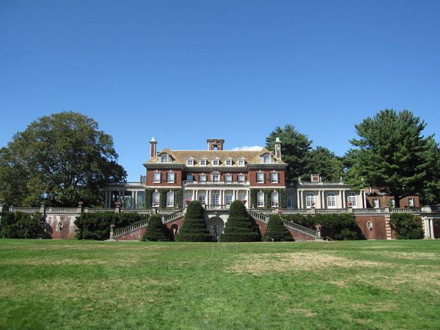 Old Westbury Gardens. Author:GryffindorCC BY-SA 3.0