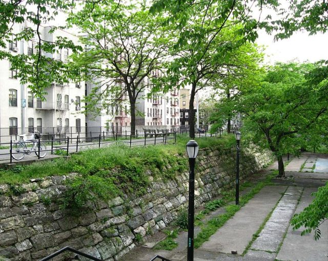 Part of the Croton Aqueduct now known as Croton Walk/ Author:Jim.hendersonPublic Domain