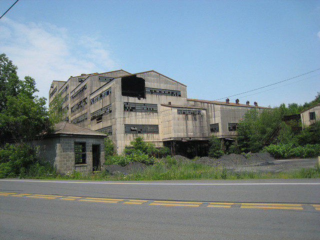 The abandoned breaker alternative view. Author:Doug LettermanCC BY 2.0