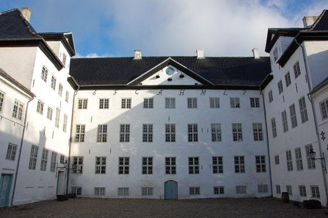 The castle's courtyard. Author:Olaf MeisterCC BY-SA 3.0