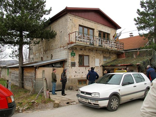 The house where the northern entrance was hidden in 2011. Author:sbamuellerCC BY-SA 2.0