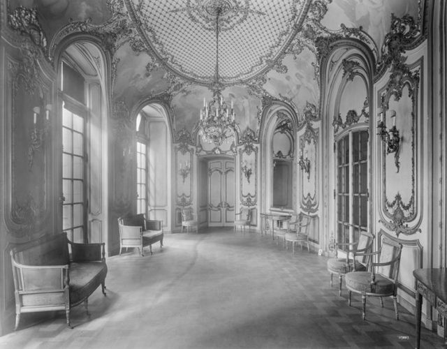 The Petit Salon. Author:DACC23