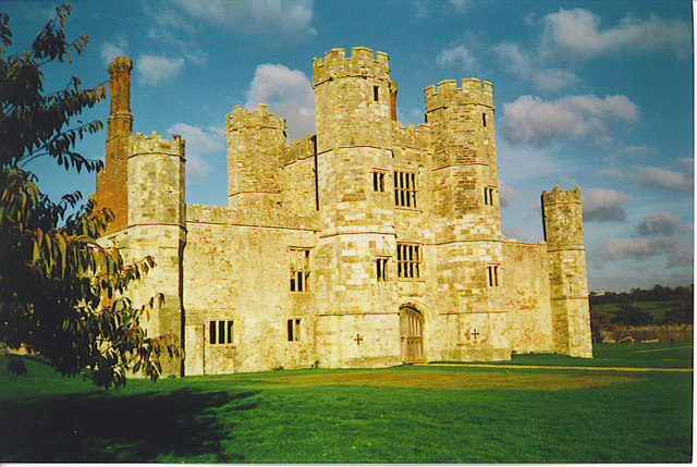 The abbey was transformed into a palace in the 16th century. Author: Colin Smith – CC BY-SA 2.0